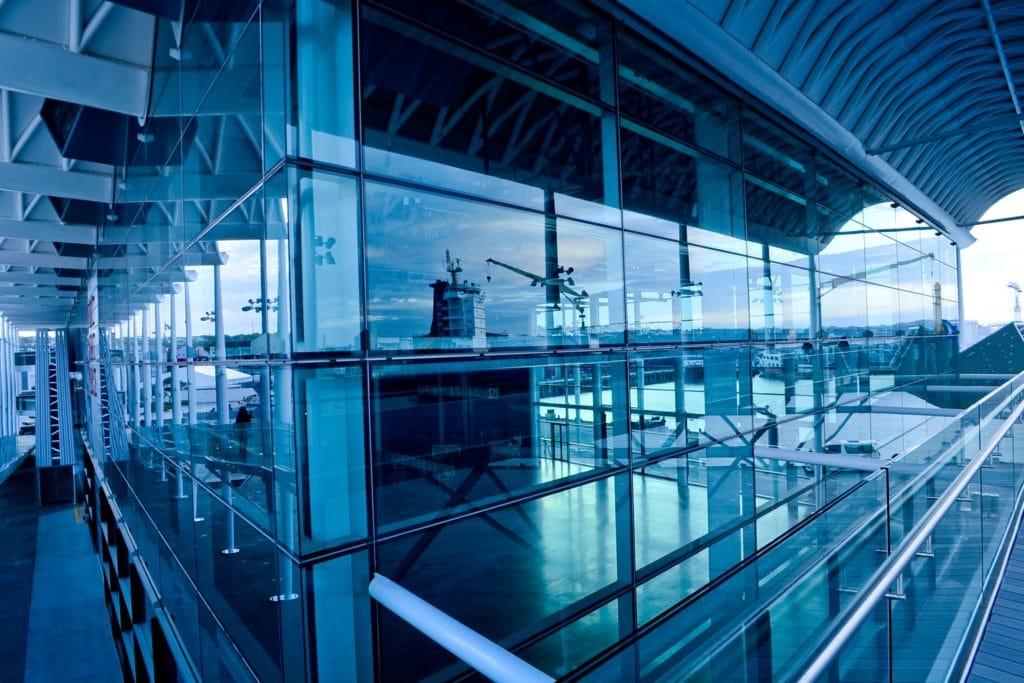 Fassadenverkleidung Flughafenansicht